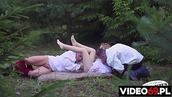 Darmowe filmy erotyczne - Drwale - występuje Nadia [ Cała wieś ]